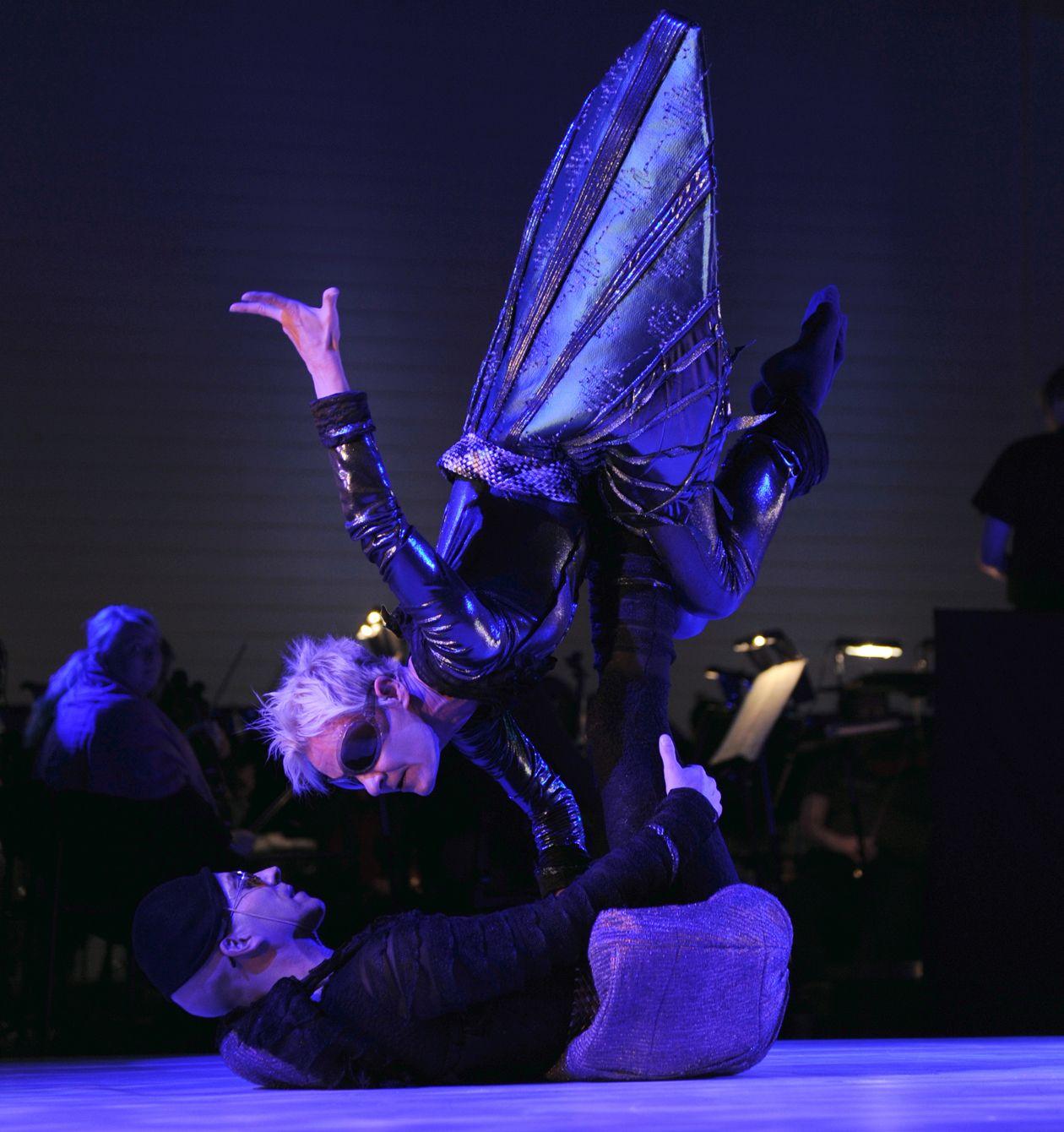 Riitti ja Yö - Tanssiteatteri ERI